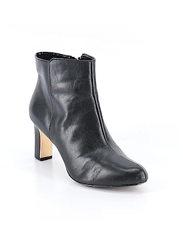 AK Anne Klein Ankle Boots Size 8