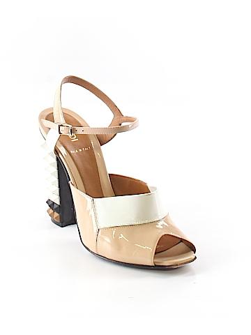Fendi Flats Size 37 (EU)