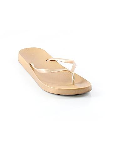 Gap Flip Flops Size 8 - 9