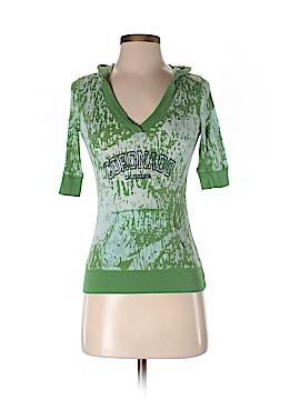 B. Split Short Sleeve T-Shirt Size S