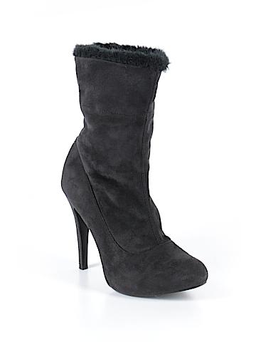 Kardashian Kollection Boots Size 7
