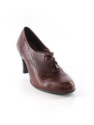 Nurture  Heels Size 7 1/2
