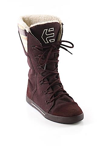 Etnies Boots Size 8 1/2