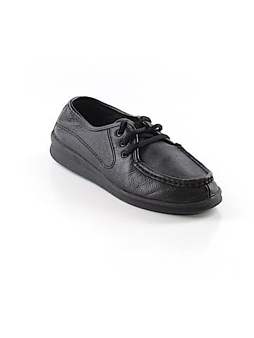 Cobbie Cuddlers Sneakers Size 7 1/2