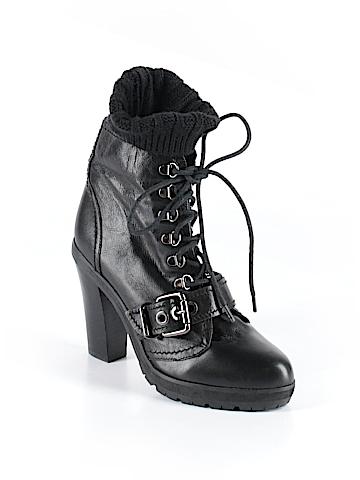 Pour La Victoire Boots Size 10
