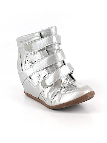 Styluxe Sneakers Size 6 1/2