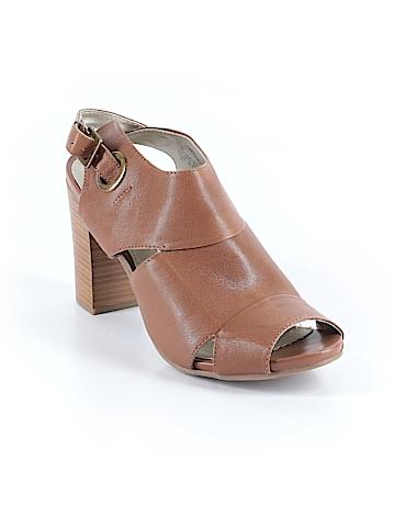 White Mountain Heels Size 10