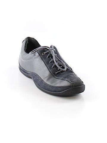 Pr!vo Sneakers Size 7