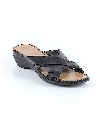 St. John's Bay Sandals Size 8 1/2