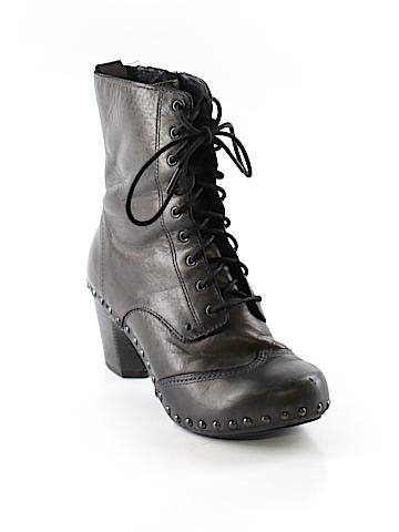 Dansko Boots Size 37 (EU)