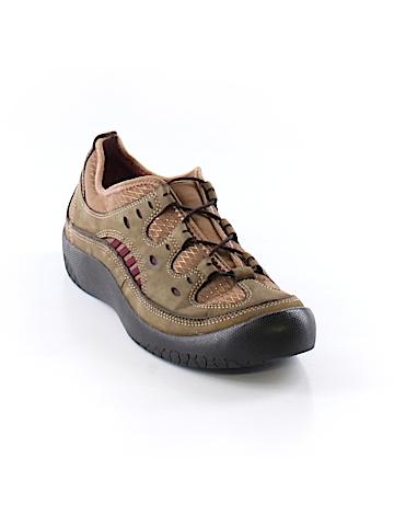 Pr!vo Sneakers Size 9