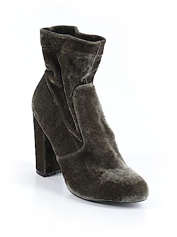 Yoki Boots Size 7 1/2