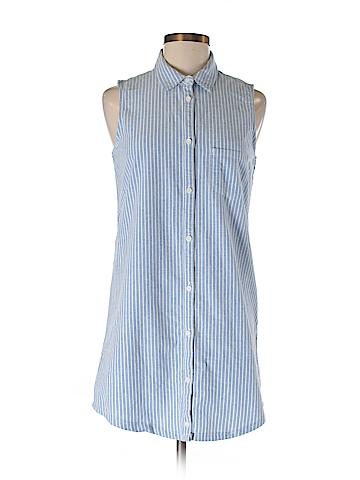 SO Sleeveless Button-Down Shirt Size M