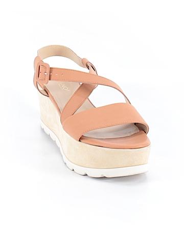 Jeannot  Sandals Size 9 1/2