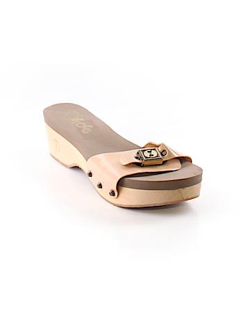 Flogg Sandals Size 8 1/2