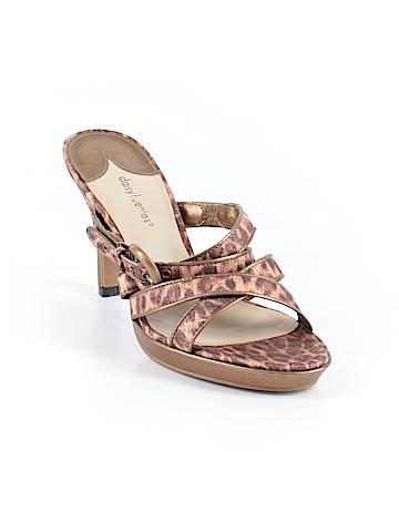 Daisy Fuentes  Mule/Clog Size 7