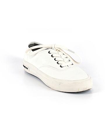 Seavees Sneakers Size 7 1/2