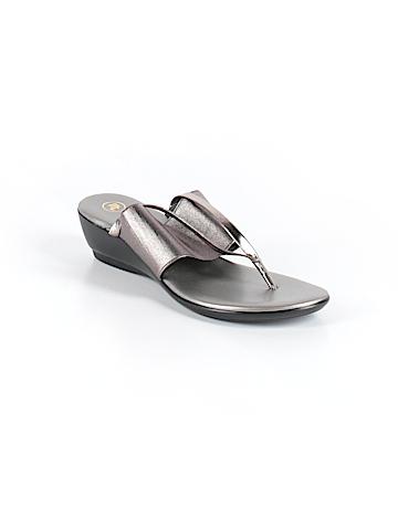Mootsies Tootsies Sandals Size 9