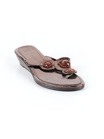 Etienne Aigner Flip Flops Size 8