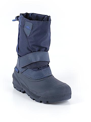 Tundra Boots Size 1