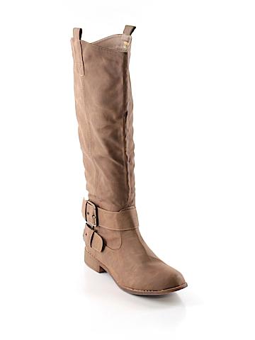 Adrianna Boots Size 8 1/2