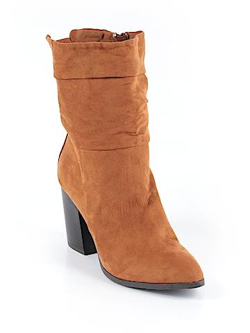 Apt. 9  Boots Size 9 1/2