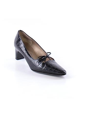 St. John Heels Size 5 1/2
