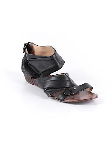 Boutique 9 Sandals Size 8