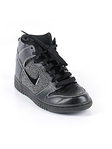 Nike Sneakers Size 7 1/2