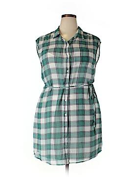 BB Dakota Short Sleeve Blouse Size 2X (Plus)