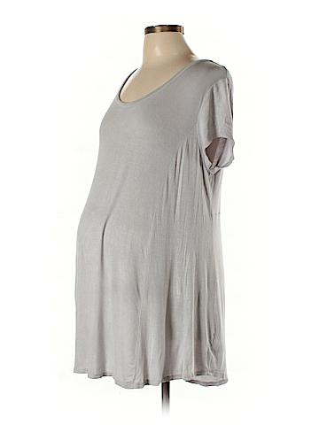 Liz Lange Maternity Short Sleeve Top Size L (Maternity)