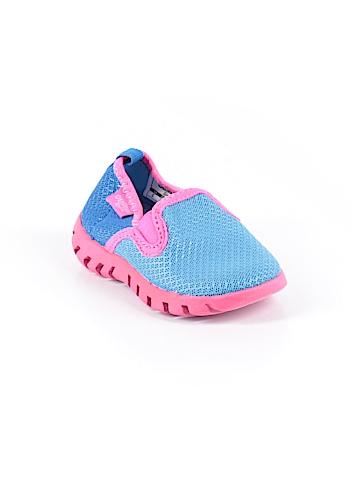 OshKosh B'gosh Water Shoes Size 5