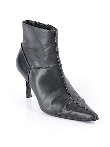 Circa Joan & David Ankle Boots Size 8