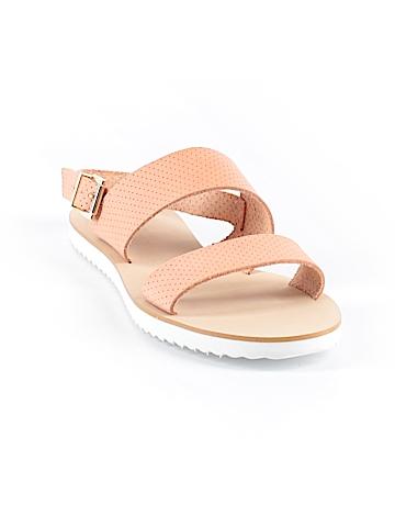 Renvy Sandals Size 7