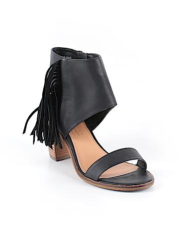 Very Volatile Heels Size 8