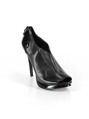 Trouve Heels Size 9 1/2