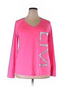 Livi Active Active T-Shirt Size 14 (Plus)