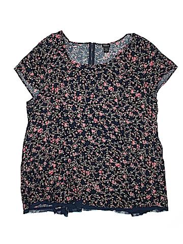 Torrid Short Sleeve Blouse Size 5X (Plus)