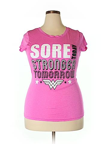 DC Comics Active T-Shirt Size 2X (Plus)