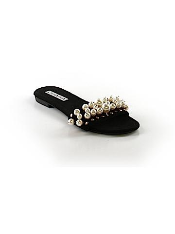 Liliana Sandals Size 8