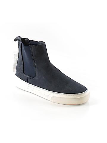 Gap Sneakers Size 6 1/2