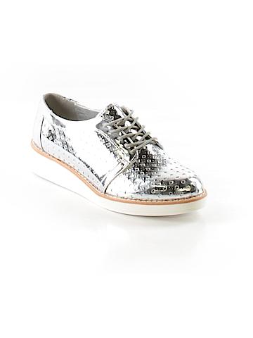Fergalicious Sneakers Size 7 1/2