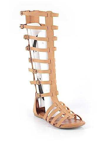 SODA Sandals Size 8