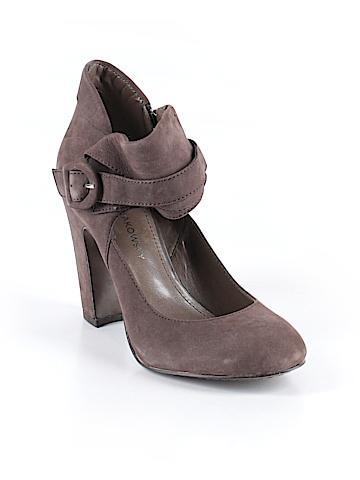 B Makowsky Ankle Boots Size 7