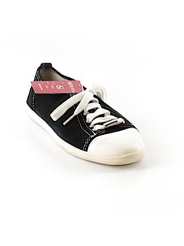 Merona Sneakers Size 6 1/2