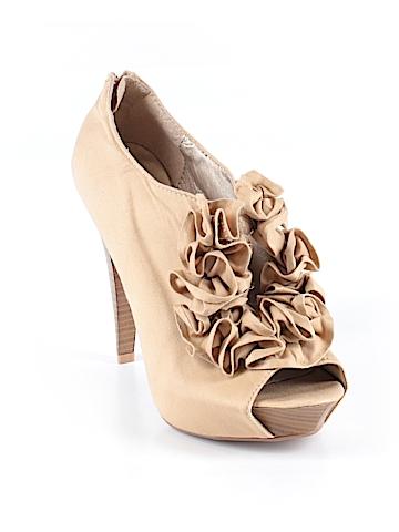 Qupid Heels Size 9