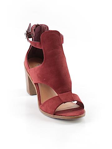 Revel Heels Size 8 1/2