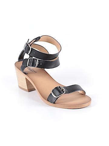 Lucky Brand Flip Flops Size 9