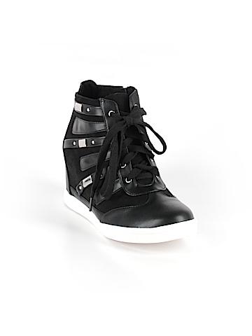 Torrid Sneakers Size 9