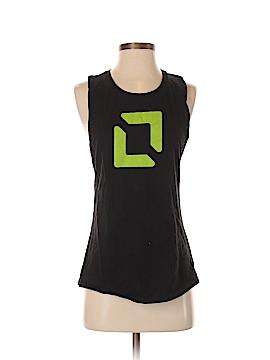 District. Sleeveless T-Shirt Size M
